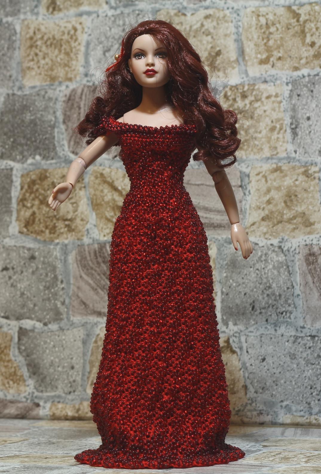 яркое платье на английском